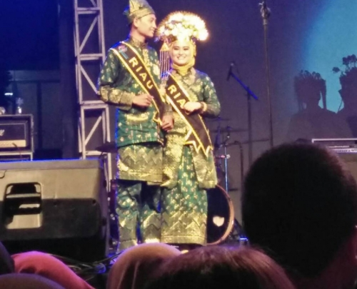 Putra - Putri Riau Raih Juara Dua Pada Gebyar Nusantara IPB 2016