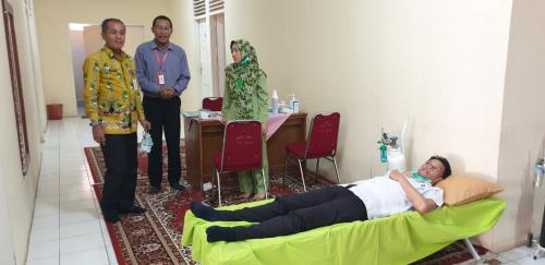Puluhan Masyarakat Datangi Posko Rumah Singgah Terdampak Asap Dinas Perindustrian Riau