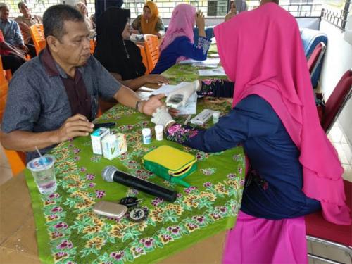 Sebanyak 200 Petani di Salo Berobat Secara Gratis Melalui Program UKK