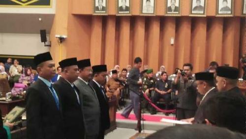 DPRD Pekanbaru Lantik 4 Anggota Baru PAW