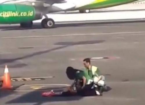 Emak-emak yang Pingsan di Apron Bandara Akhirnya Diterbangkan Citilink dengan Pesawat Berikutnya