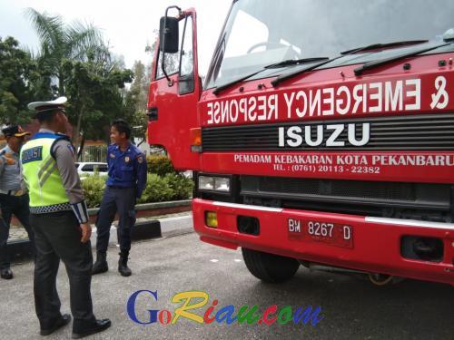 Terjaring Razia, Mobil Damkar Pekanbaru Tak Bayar Pajak 5 Tahun