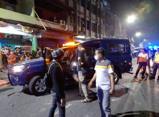Mobil K-9 Bea Cukai Diserang OTK di Jalan Juanda Pekanbaru, Satu Orang Dilarikan ke Rumah Sakit