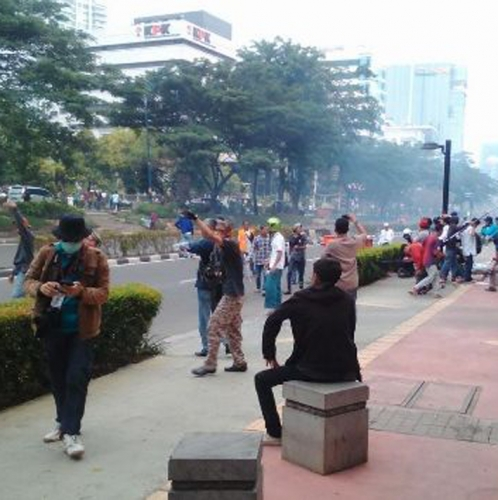 Demo Anti Ahok di Depan KPK Ricuh, Massa Lempari Polisi dengan Batu