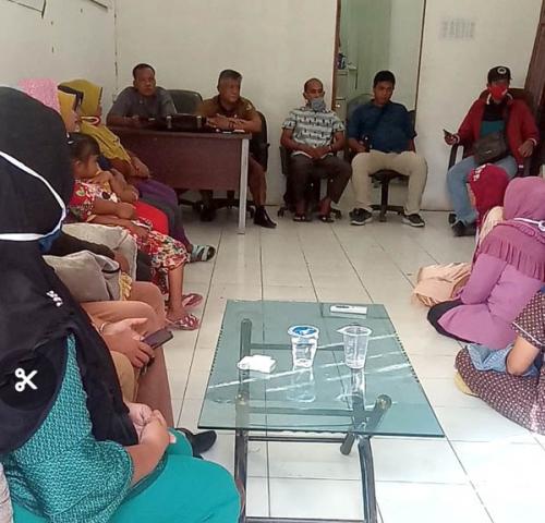 Tenaga Pendamping PKH Gelar Rapat Mengenai Miskomunikasi Warga KPM Labuhan Tangga Besar