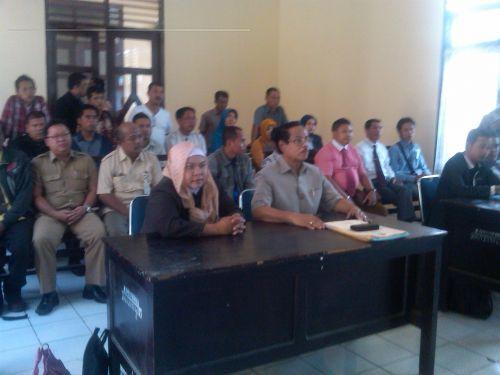 Hakim Serukan Agar KPU Riau Belajar Sidang Acara Cepat