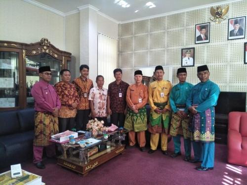 Tingkatkan SDM Pengrajin, Disdagperin Bengkalis Jajaki Kerjasama dengan BDI Padang