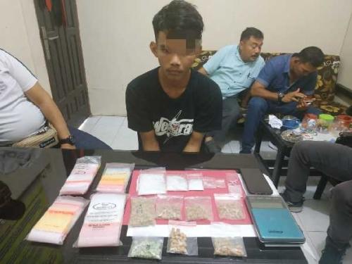 Resnarkoba Polres Kampar Ciduk 4 Remaja Bandar Sabu dan Pil Ekstasi