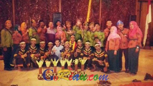 Parade Tari Nusantara TMII, Disparekraf Riau Tampilkan Tolak Balok Kumantan Godang