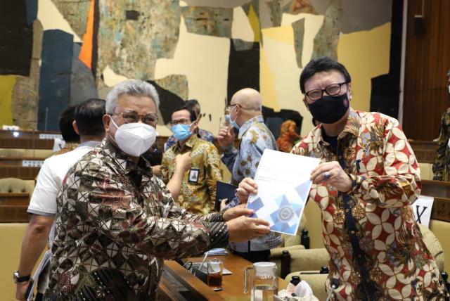 Perjuangkan Nasib Asisten Instruktur Non-ASN di BLK, Syamsurizal Serahkan Surat ke Tjahjo Kumolo