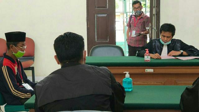 Tergiur Jabatan, Oknum Kepsek di Pelalawan Turut Kampanye hingga Pasang Umbul-umbul Nomor Urut 4