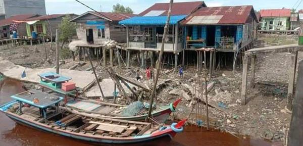 Tiang Roboh, Jalan Bandar Baru Teluk Pulai Rusak Berat