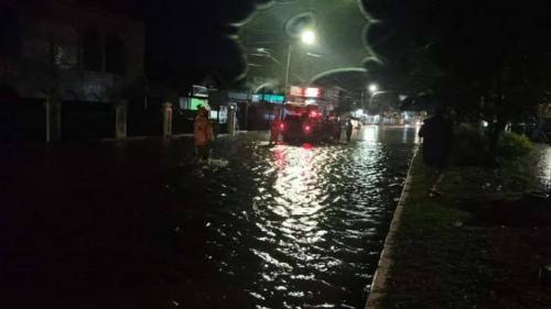 Bukittinggi Banjir, Ketinggian Air Capai 2 Meter, Jalur Lintas Padang-Medan Lumpuh