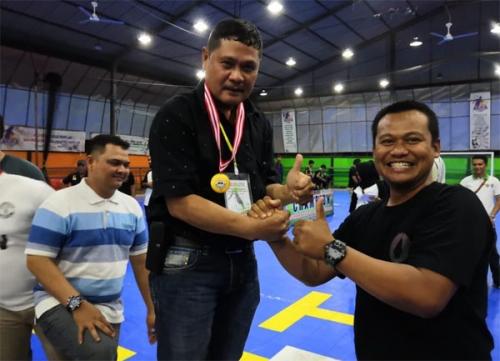 Tim Futsal Polres Meranti Champions di Turnamen Futsal Sago Old Star 2019