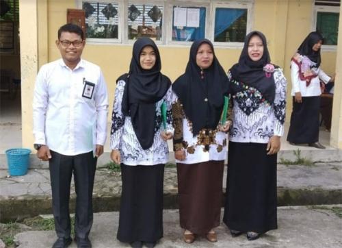 Guru MTs Ar-Rosyidiyah Sungai Alam Sampaikan Surat Terbuka kepada Bupati Bengkalis