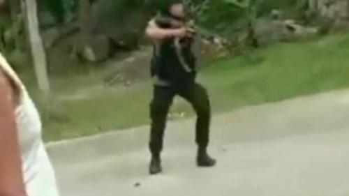 Sejumlah Anggota Brimob Lepas Tembakan di Obyek Wisata, Wanita dan Anak-anak Berlarian Ketakutan