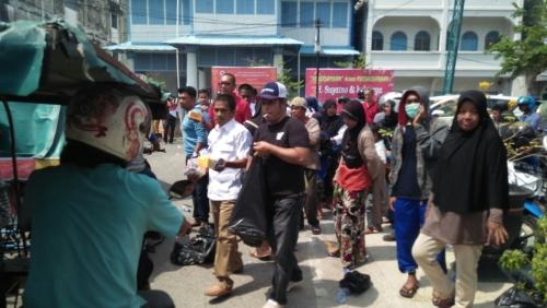 Meriahkan Puncak Imlek, PAC Gerindra Bengkalis Bagikan 1.000 Kue Kotak