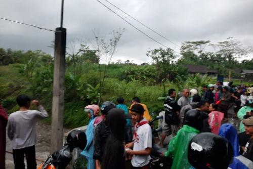 Susur Sungai Saat Kegiatan Pramuka, Ratusan Siswa SMPN 1 Turi Hanyut