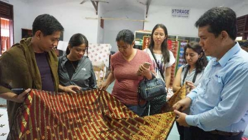 Mahasiswa LKYSPP Singapore Nilai Program CD RAPP Sejahterakan Warga