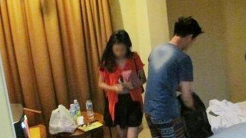 Wanita Cantik Ini Lakukan Pemerasan dengan Modus Ajak Pria Tidur di Kamar Kos