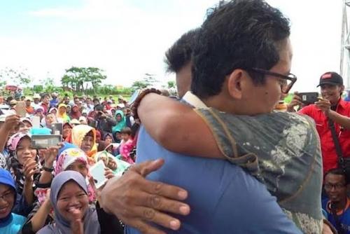 Petani Bawang yang Pernah Mengeluh Sambil Menangis di Hadapan Sandiaga Uno Ditahan Polisi