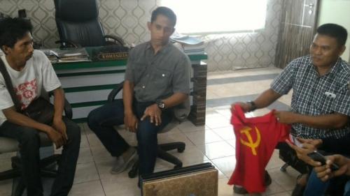 Diamankan Kodim karena Pakai Kaos Palu Arit, Penjual Cabe Ngaku Tiba-tiba Saja Baju Itu Ada di Lemarinya