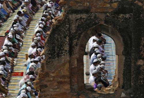 Beginilah Uniknya Budaya Umat Islam di India Dalam Melaksanakan Shalat Jumat