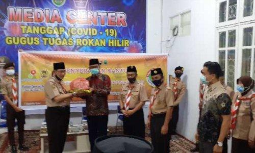 Kwarda Riau Serahkan Bantuan kepada Keluarga Pramuka Terimbas Covid-19