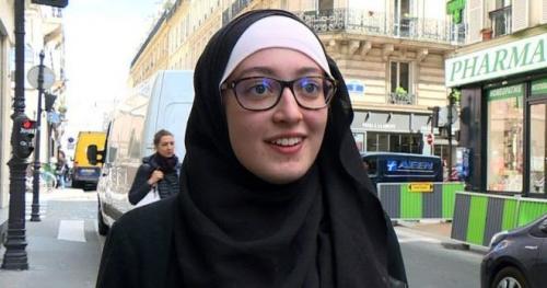 Anggota Parlemen Prancis Kabur Saat Lihat Mahasiswi Cantik Berjilbab Ini Hadir di Ruang Pertemuan