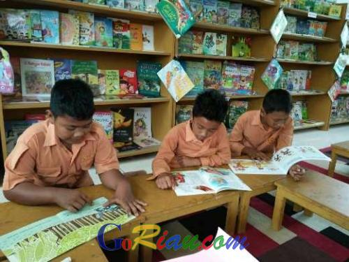 Tanoto Foundation builds children's libraries to encourage reading for fun