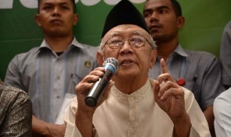 Gus Sholah Ingatkan, Ada yang Cenderung Benturkan Islam dengan Indonesia