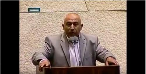 Pejabat Yahudi Berhamburan Saat Ahmad Tibi Kumandangkan Azan di Parlemen Israel