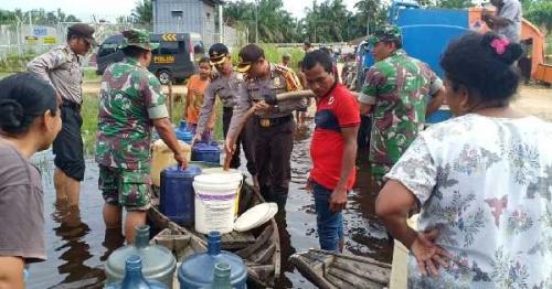 Daerah Terdampak Banjir di Rohil Mulai Kekurangan Air Bersih