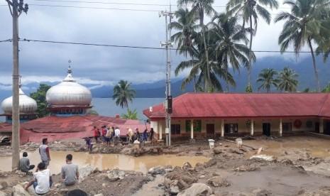 Banjir Bandang Terjang Agam, 49 Jiwa Mengungsi
