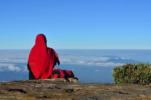 Diminta Buka Hijab, Safina Pilih Batalkan Dapat Beasiswa