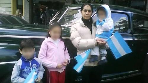 Wanita Cantik Ini Bantu Pacar Perkosa Putri Kandungnya Sejak Berusia 8 Tahun, Alasannya . . . .