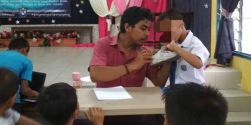 Inspiratif, Guru SD Belikan Sepatu untuk 55 Muridnya yang Miskin dan Yatim