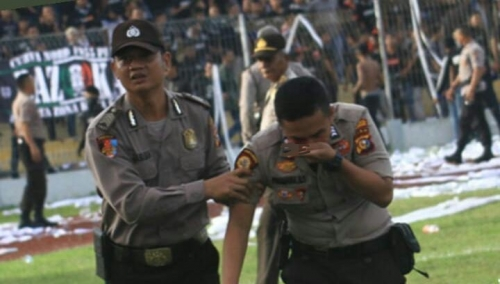Satu Personil Polisi Terluka Akibat Kericuhan pada Laga PSPS Riau Vs PSMS Medan di Stadion Rumbai