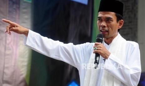 Berdakwah di Papua Barat, Ustaz Abdul Somad Disambut dan Didampingi Brigjen Pol Rudolf Alberth