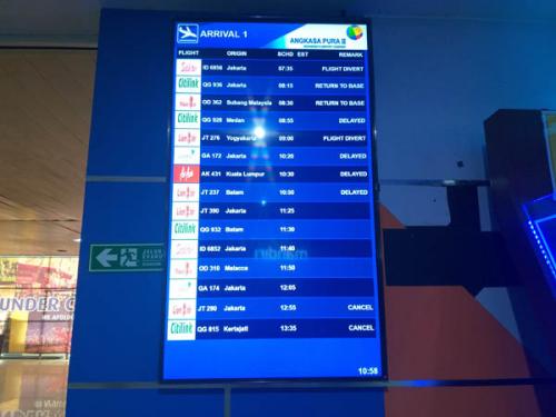 Kabut Asap Makin Tebal, Hingga Siang Ini, Belum Ada Pesawat yang Bisa Mendarat di SSK II Pekanbaru