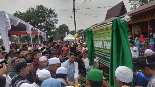 Ustadz Abdul Somad Resmikan Pondok Pesantren Darul Fikri Selatpanjang