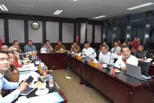 KPK RI Kumpulkan Lima Kabapenda di Bank Riau Kepri