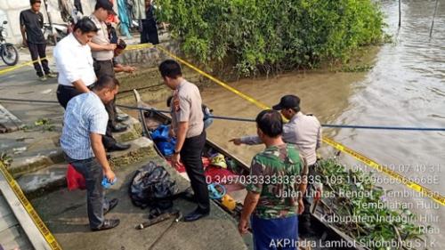 Warga Tembilahan Temukan Seorang Pria Berlumuran Darah di Atas Sampan