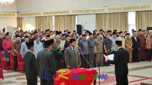 Dilantik Gubri, Yan Prana Jaya Indra Rasyid Sah Jadi Sekdaprov Riau Definitif
