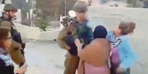 Remaja Putri Palestina dengan Gagah Berani Tampar Tentara Israel