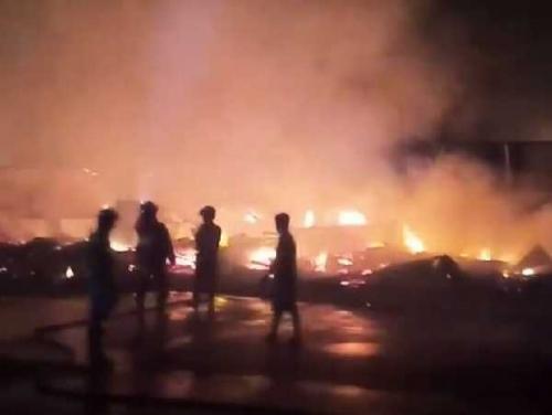 Kebakaran Hanguskan 7 Toko di Dumai