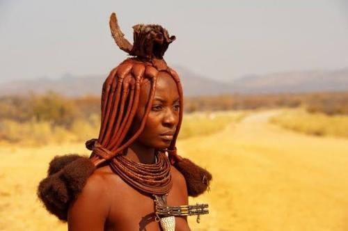 Tak Pernah Mandi, Wanita Suku Ini Tetap Dianggap yang Terindah, Ternyata Ini Rahasianya