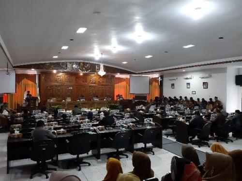 Bupati Kuansing Sampaikan LKPJ Tahun Anggaran 2018