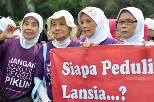 Kata Bank Dunia: Lansia Indonesia Jauh Lebih Bahagia Dibanding China dan Korea