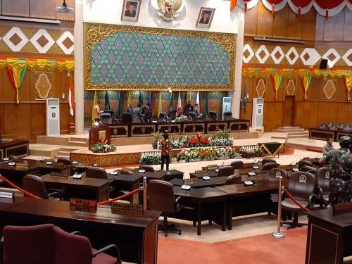 Gelar Paripurna, DPRD Riau Setujui Dua Raperda